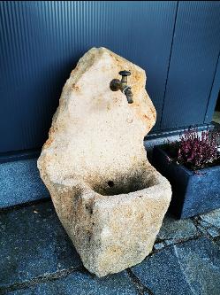 Wasserstein mit Hahn
